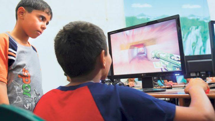 'Çocuklar bilgisayar oynamalı'