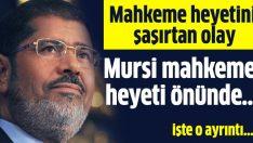 Mahkeme heyetini şaşırtan olay:Mursi imamlık yaptı namaz kıldırdı