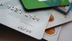 Üniversiteli öğrencilere kredi kartı imkanı sunan bankalar