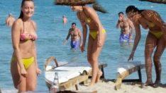 Fahriye Evcen bikinili görüntülendi