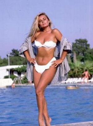 İşte Türk sinemasının Afrodit'i Banu Alkan. 1958 yılında eski Yugoslavya'da Dubrovnik'te doğdu. Gerçek adı Hırvatça 'Yaban Gülü' anlamına gelen Remka Rebroyna olan Banu Alkan'ın