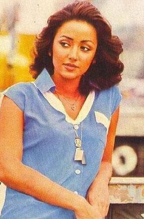 1976 yılında Türkiye Güzeli seçilince de kariyerinin yönü belirlendi.