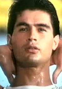 Yaşar Alptekin 1980'lerin en gözde aktörlerinden biriydi.