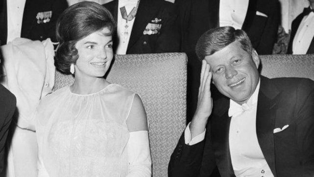 Kennedy'nin kayınbiraderi Peter Lawford kaynaklı bilgilere göre