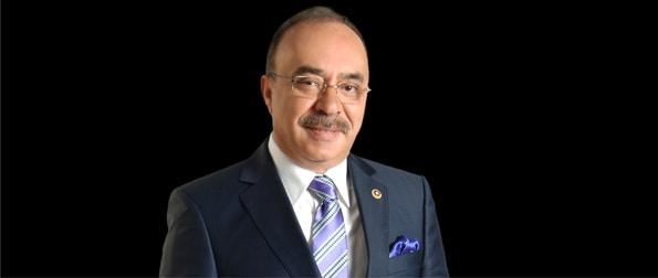 Ömer Vehbi  Hatipoğlu 1953 yılında Diyarbakır'ın Hazro ilçesinde doğmuştur.