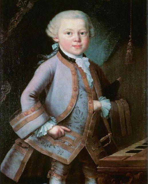 Pietro Antonio Lorenzoni'nin Mozart tablosu içinde birçok şifre olduğuna inanılan bi eser. Resimde Mozart'ın tek elinin saklı durması onun bir Mason olduğu iddiasını doğururken