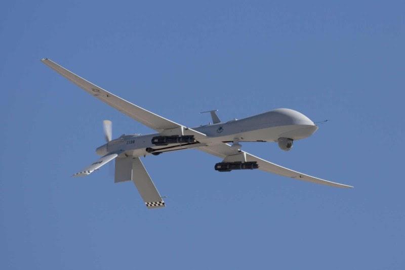 General Atomics MQ-1 Predator Öncelikle Amerika Birleşik Devletleri Hava Kuvvetleri ve Merkezi Haber Alma Teşkilatı(CIA) Tarafından kullanılan insansız hava aracıdır.