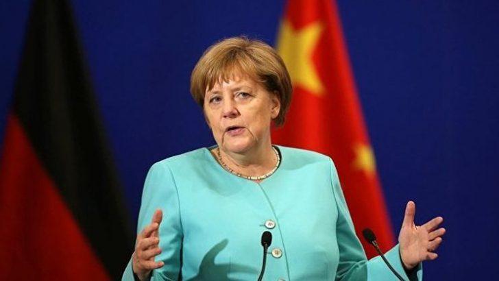 İlk testi negatif çıkan Merkel'e ikinci Koronavirüs testi!