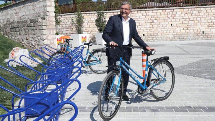 Zeytinburnu Belediye Başkanı'ndan, bisikletle 132 bin TL'lik tasarruf