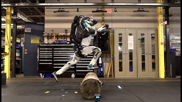 İnsansı robot Atlas'ın yeni videosu yayınlandı