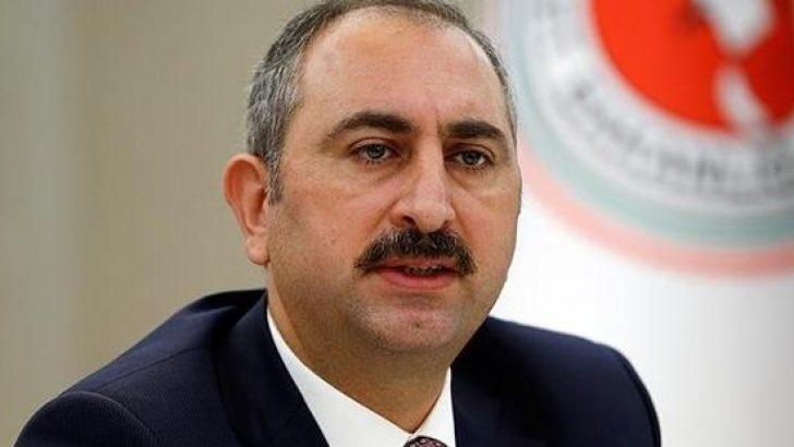 Adalet Bakanı Gül duyurdu: Hayvanlara eziyet edenlere hapis cezası geliyor!