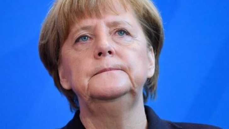 Almanya'da kriz! Angela Merkel'in partisinin genel başkanı istifa etti