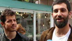 Emre Belözoğlu, bebeği olan Turan çiftini ziyaret etti!