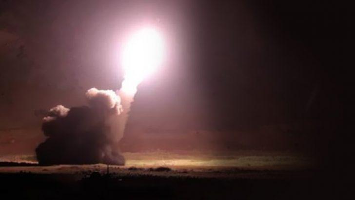 İran, Suriye'ye füze yağdırdı