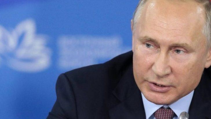 Putin'den dolar açıklaması: ABD bindiği dalı kesiyor