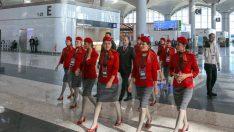 Yeni havalimanının açılışında THY'nin yeni üniformaları da görücüye çıktı