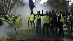 """""""Sarı yelekliler""""in protestoları Fransa'dan Brüksel'e sıçradı"""