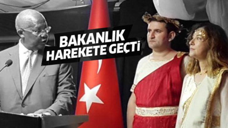 29 Ekim töreninde Yunan kıyafeti giyen Türk Büyükelçi geri çağrıldı