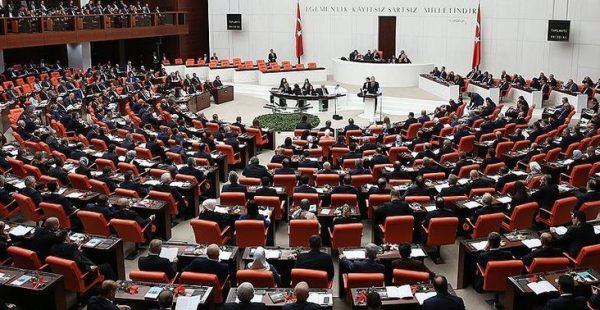 Sağlık alanında düzenlemeler içeren torba yasa Meclis'ten geçti