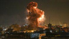 """İsrail savaş uçakları, """"El Aksa"""" kanalını vurdu"""