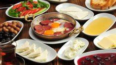 Kahvaltının önemi abartılıyor mu? Obezite ile kahvaltı arasında bağlantı var mı?