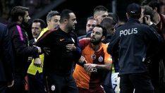 Olaylı Galatasaray Fenerbahçe derbisi sonrası Hasan Şaş'a tepki yağdı!