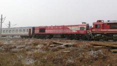 Sivas'ta yolcu treni ile yük treni çarpıştı: 10 yaralı