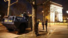 Fransa'da gerginlik tırmanmaya devam ediyor! Polisten büyük operasyon