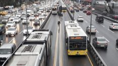 İstanbul Şirinevler'de metrobüs arızalandı