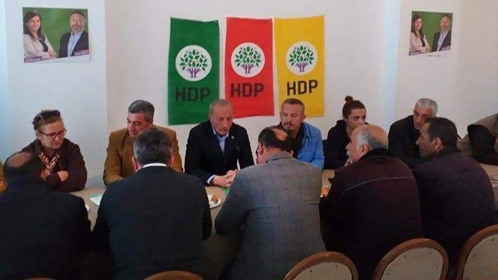 CHP-HDP ittifakı ayyuka çıktı! CHP'li başkan HDP bayrakları altında…