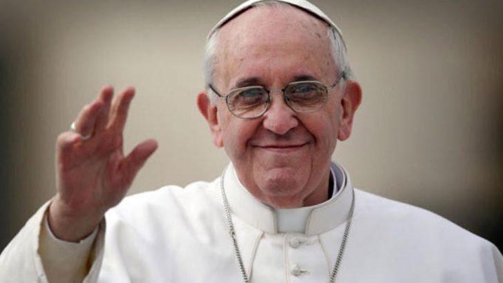 Papa kiliseye gidemeyenlere koronavirüs duası önerdi