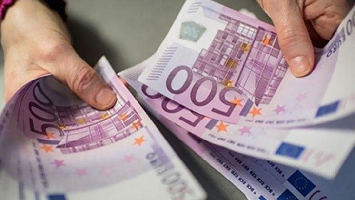 500 euroluk banknotlar cuma günü tedavülden kalkıyor
