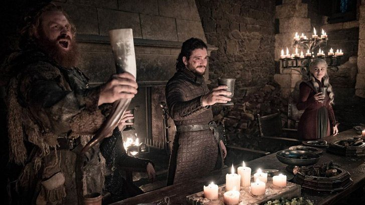 Game of Thrones'taki Starbucks bardağı olay oldu! Hata mı reklam mı?