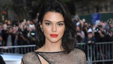 Kendall Jenner'ın göbek deliği olay oldu!