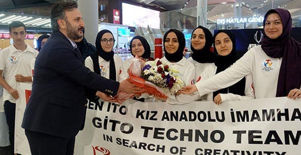 İmam Hatipli kızlardan dev başarı! Dünya robot yarışmasında yarışacaklar