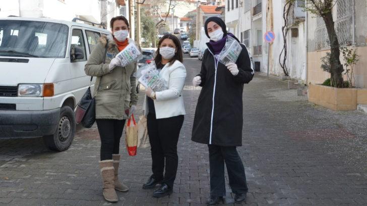 Muğla Gazetesi'nden alkışlanacak hareket: Sokağa çıkamayan yaşlılara gazete servisi