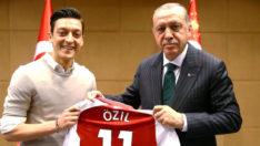 Adidas'tan skandal hareket! Mesut Özil ile yollarını ayırma kararı aldı
