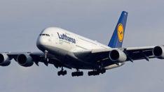Lufthansa batıyor: 22 bin çalışanını işten çıkaracak