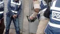 Lüks çanta ve ayakkabı kaçakçılarına operasyon
