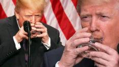 Trump'ın iki eliyle su içmesi gündem oldu