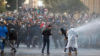 Beyrut'ta protesto: Patlamadan siyasileri sorumlu tutuyorlar…