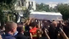 Beyrut'taki patlamada ölen itfaiyeci kadın için düğün gibi cenaze töreni yapıldı
