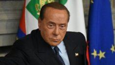 Berlusconi'nin koronavirüs testi pozitif çıktı