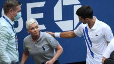 Rastgele vurduğu top hakeme isabet eden tenisçi Novak Djokovic, diskalifiye edildi