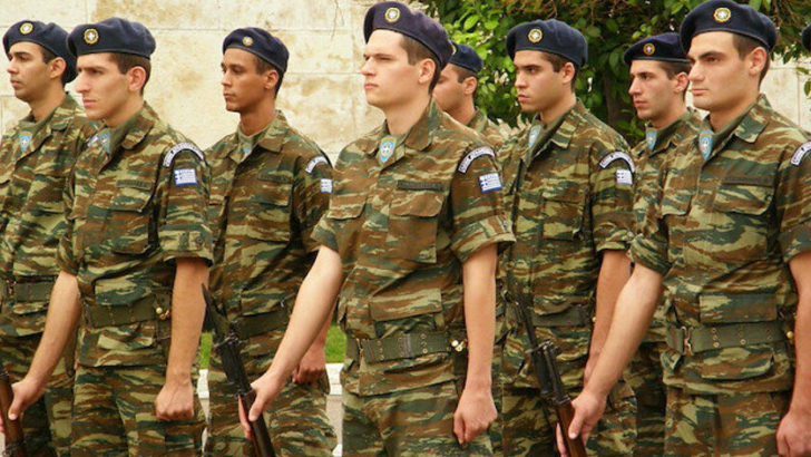 Yunanistan'da korku hakim: Zorunlu askerlik 12 ay oluyor