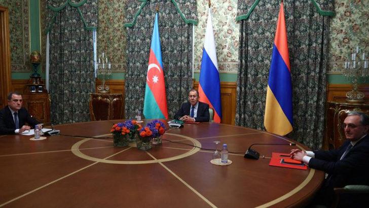 Azerbaycan ve Ermenistan, Rusya'da ateşkes anlaşmasına vardı. Karabağ müzakerelerine Minsk Grubu ülkeleriyle devam edileceği belirtildi. Sürece başka ülkelerin katılımına izin verilmeyecek.
